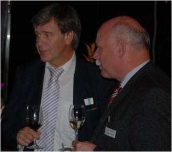 Rolf Bigler (BEKB) und Fritz Ruprecht (Helvetic Star Effekten).